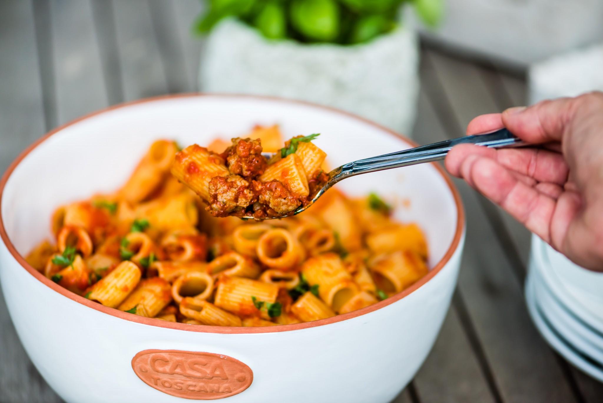Pasta mit Tomaten-Salsicce-Sugo