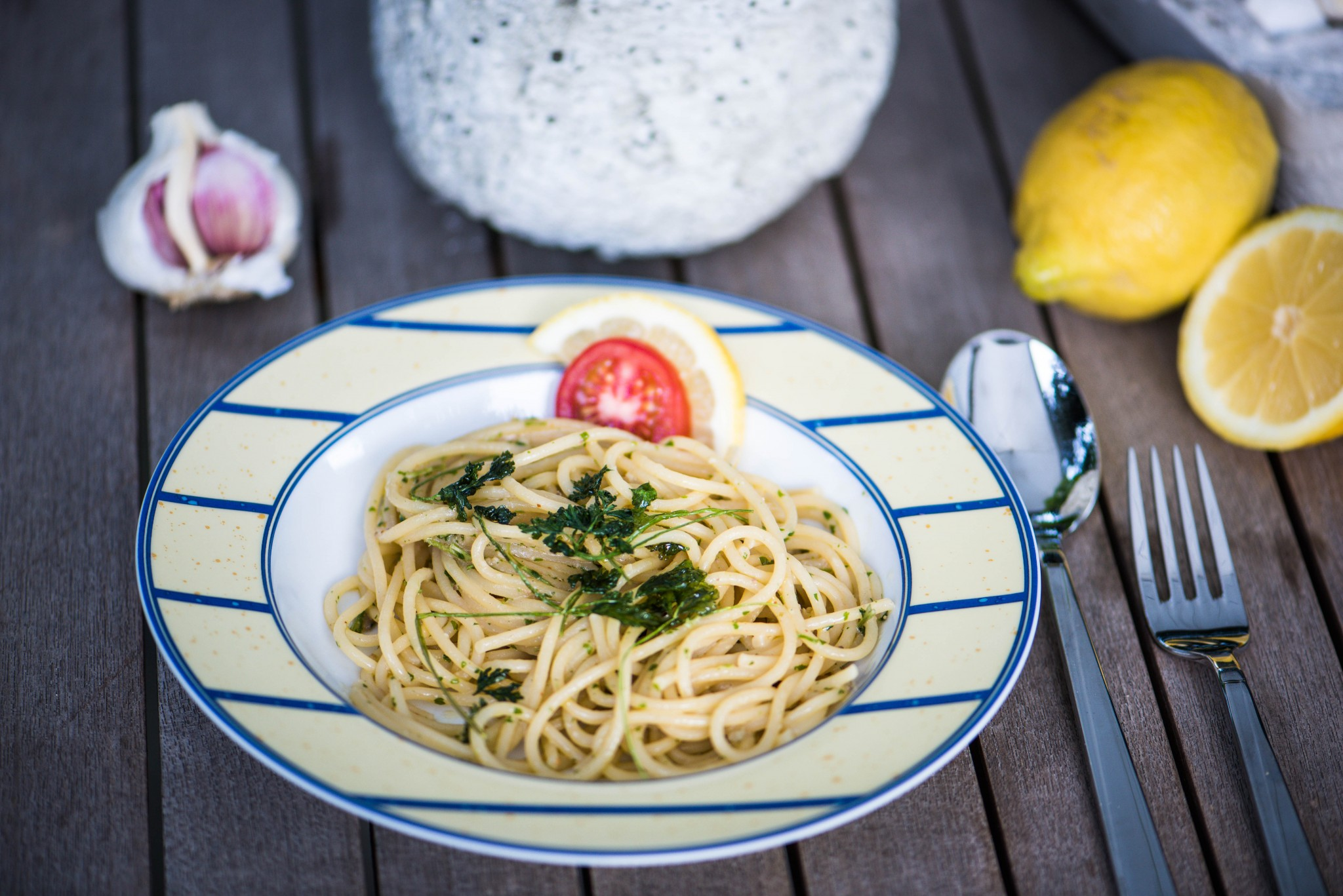 Spaghetti mit Sardellenpesto