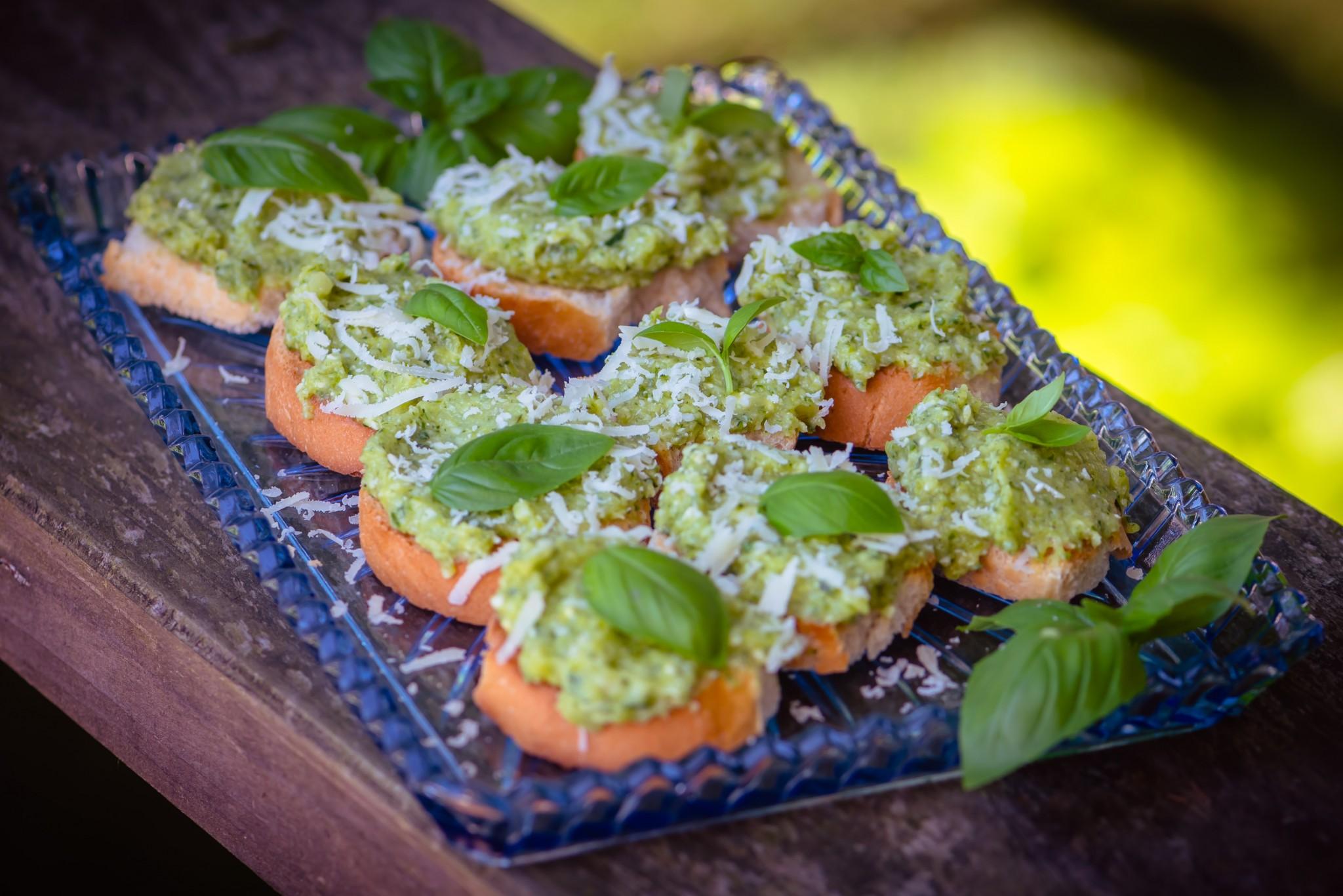 Bruschette mit Zucchinicreme