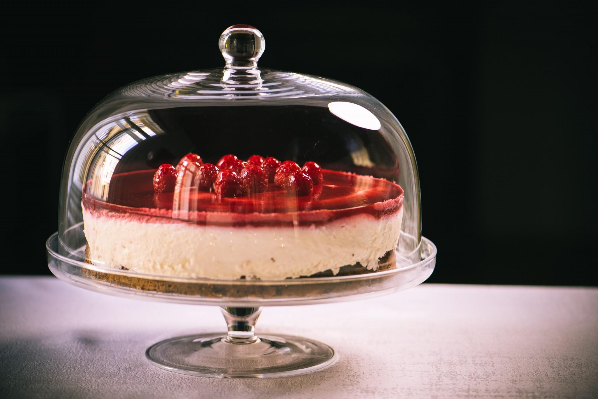 Himbeer-Topfen-Mohn-Torte