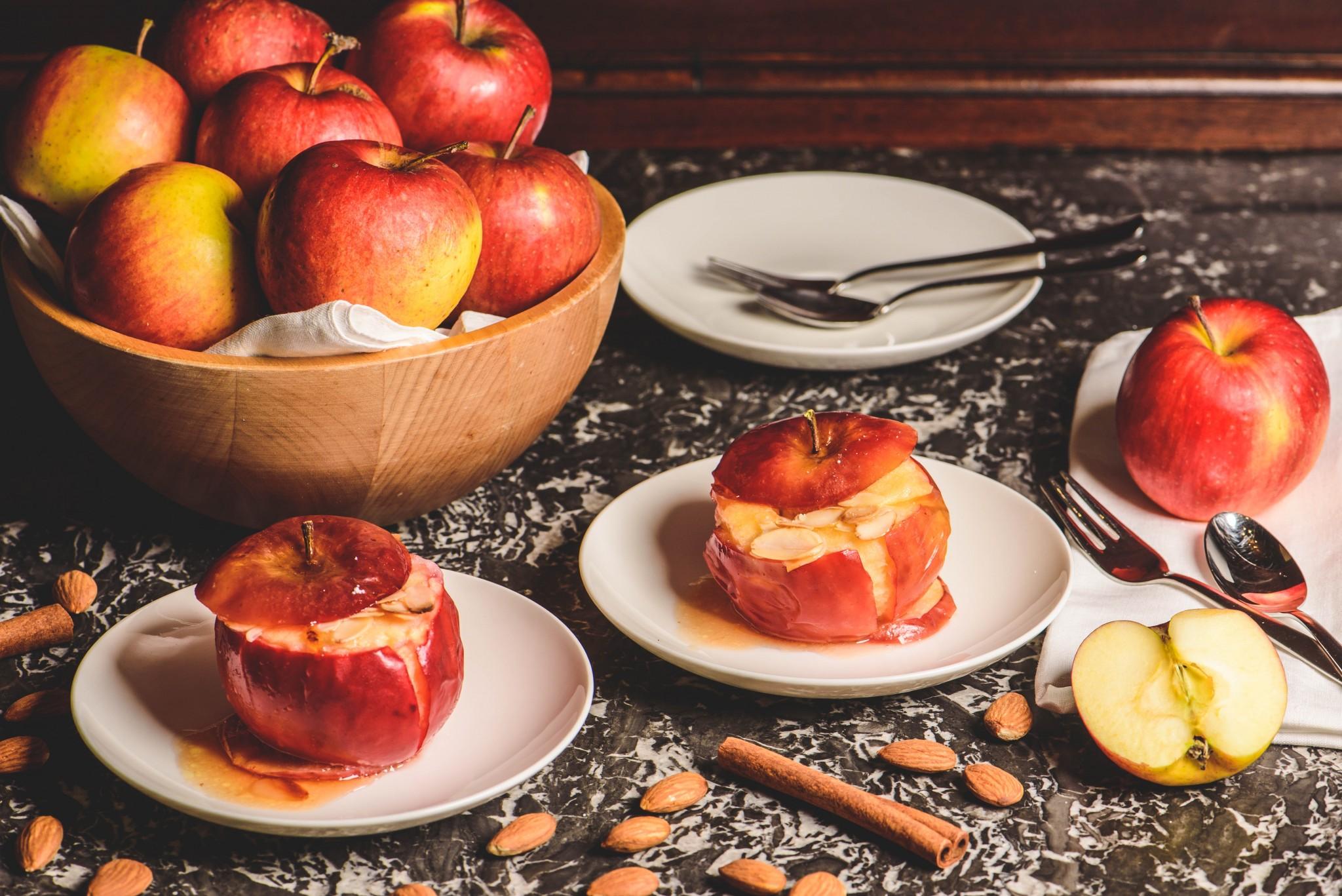 Bratapfel mit Mandeln & Marzipan