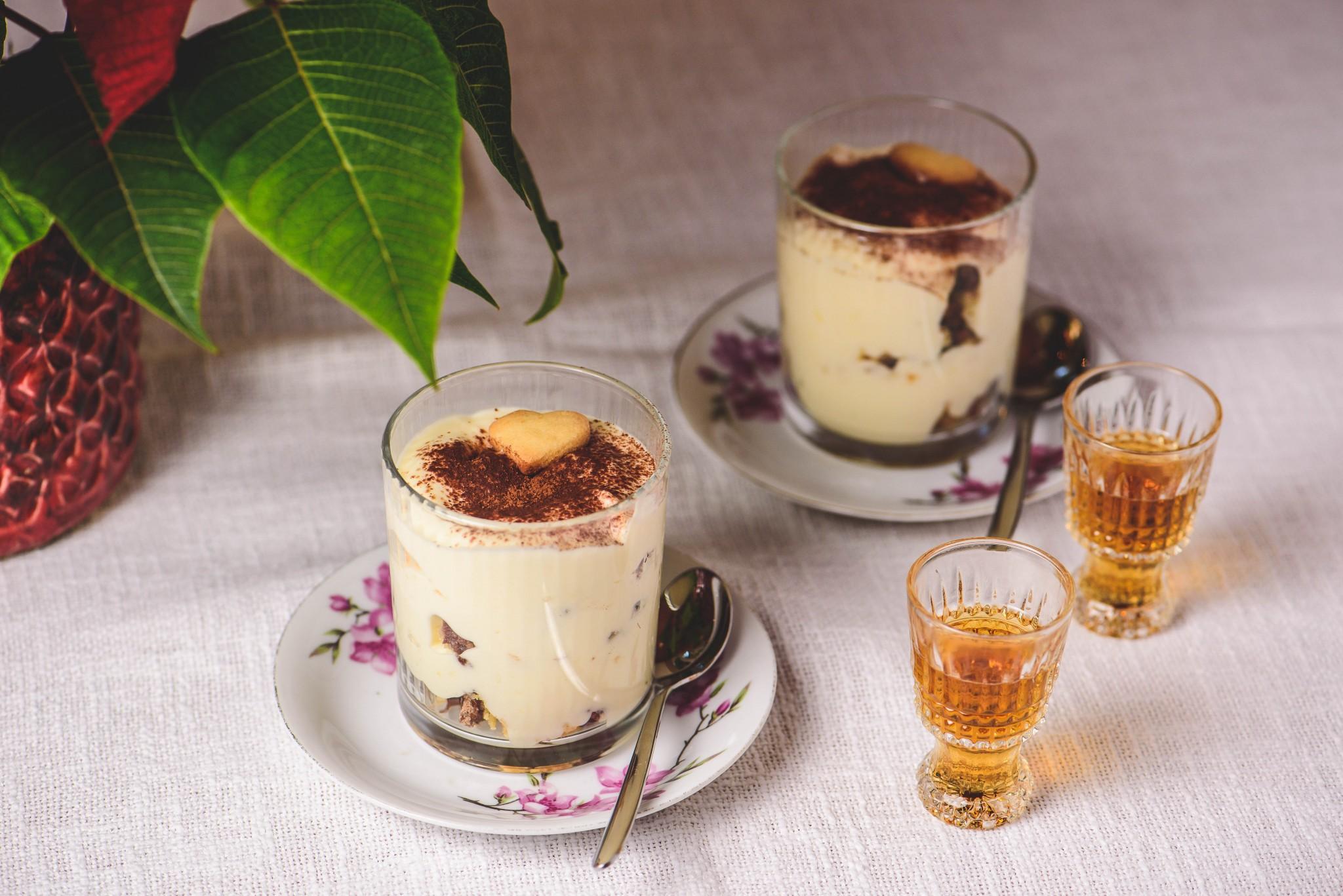 Vanillecreme mit Keksen aus der Resteküche