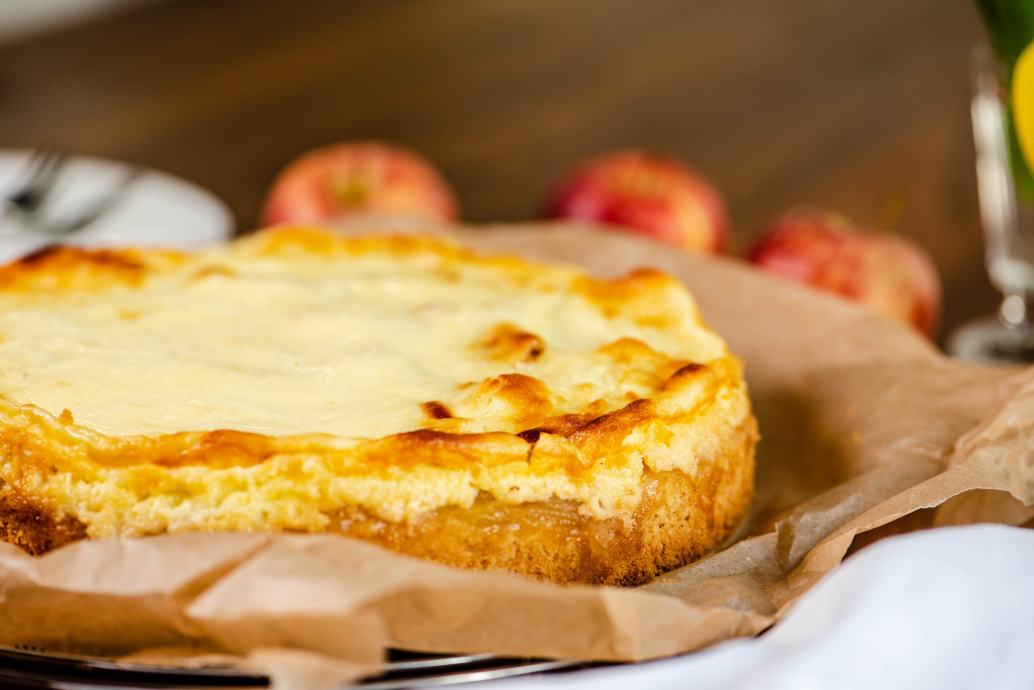 Apfelkuchen mit Topfen-Topping