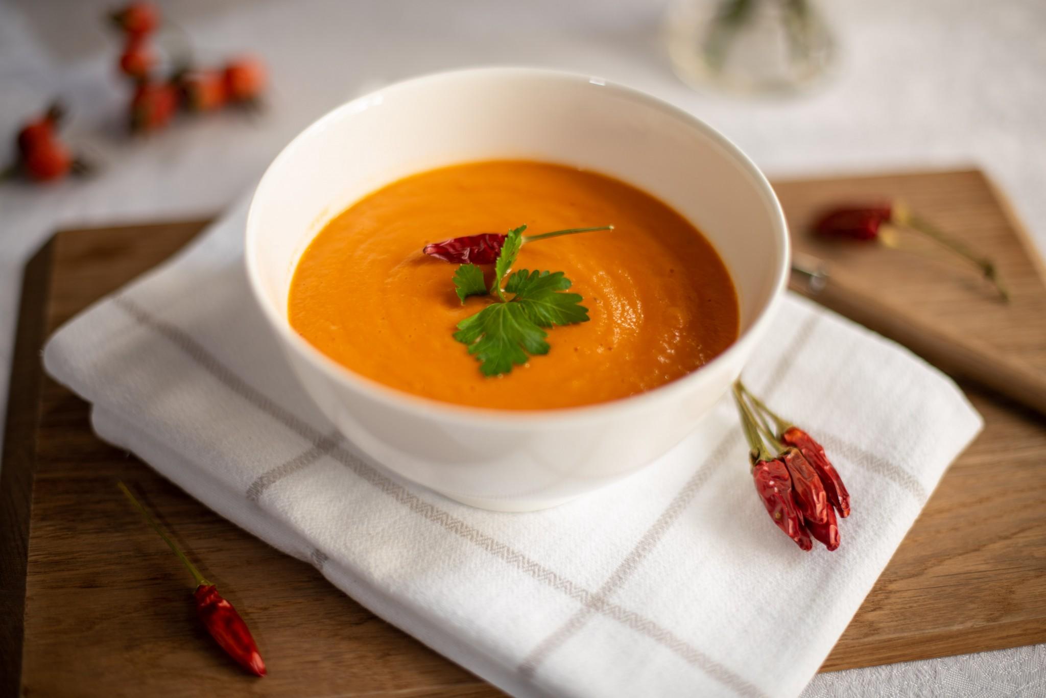 Tomaten-Linsen-Suppe