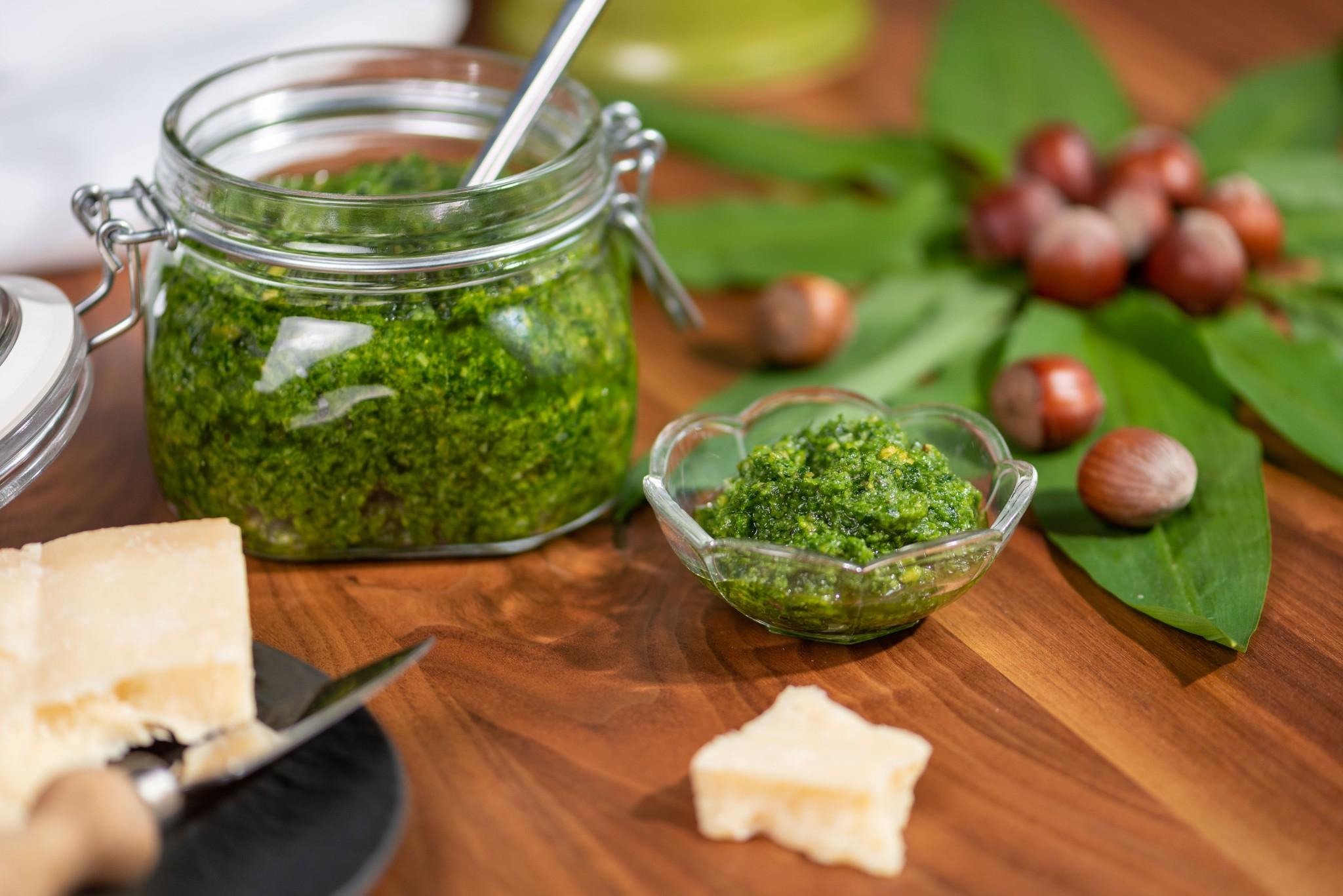 Bärlauch-Haselnuss-Pesto