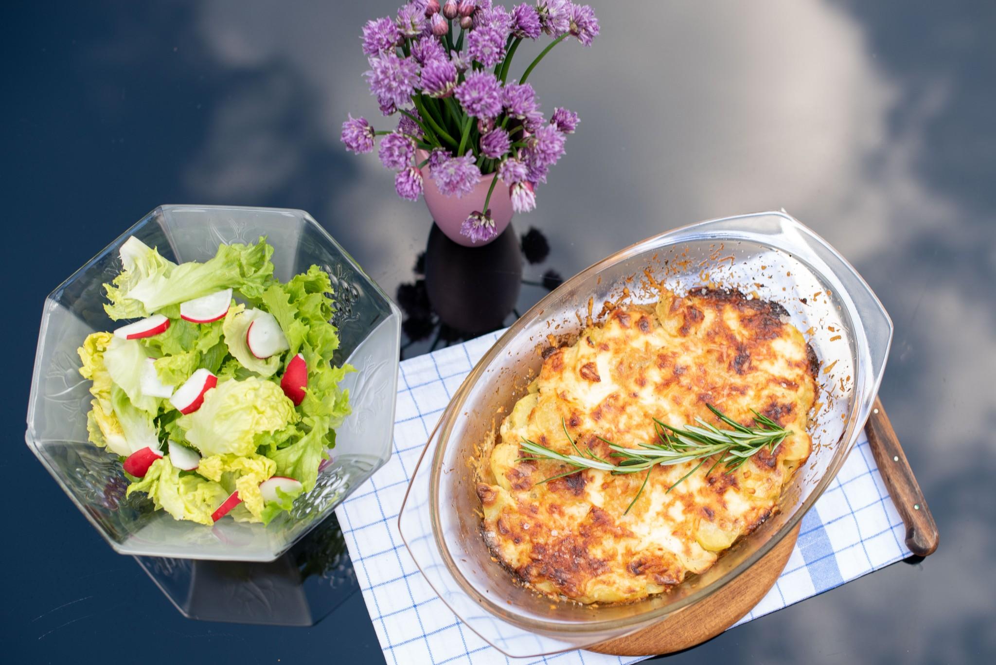 Kartoffelgratin mit Kräutern der Provence